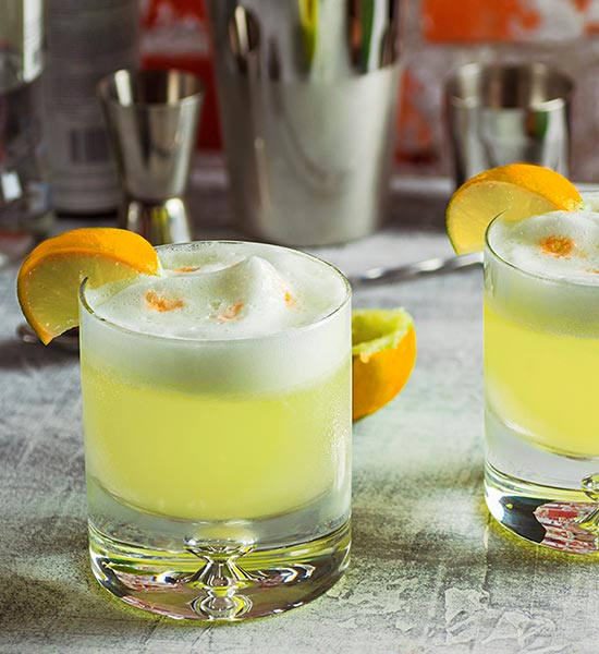 Cocktail - Gin Sour variant af Whiskey Sour