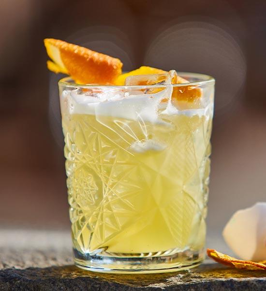 Cocktail - Whiskey Sour med appelsinskreal