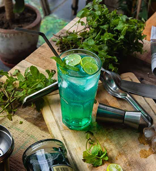 Blå drink med vodka