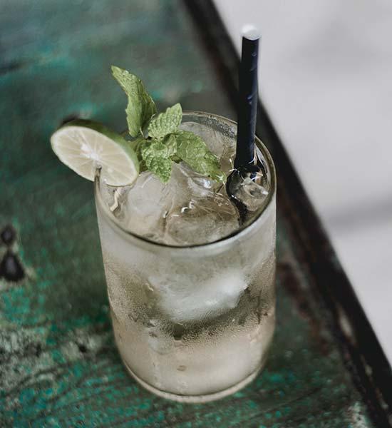 Historien bag cocktailen